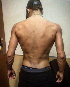 太田光る筋肉1